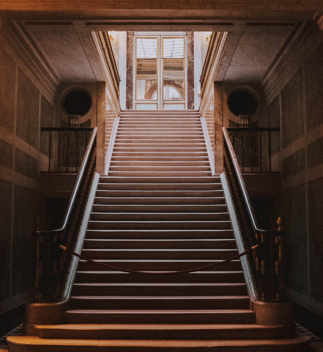 Sliding Down The Banister Towards A No-deal Brexit